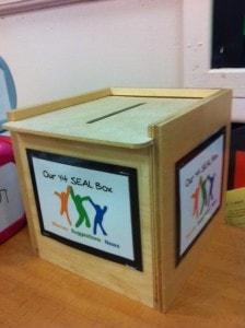 photo seal box